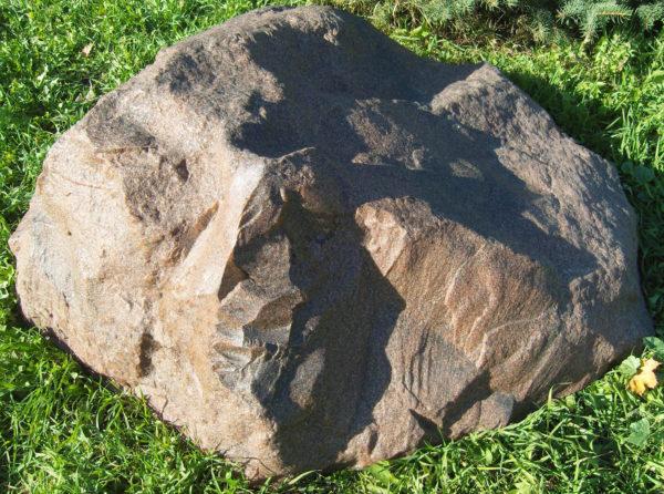 Декоративная крышка люка под камень «Люкс» D-120